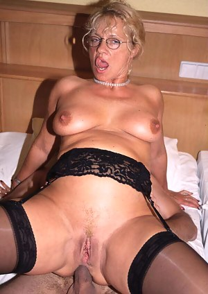 Mature pictures porn Free anal